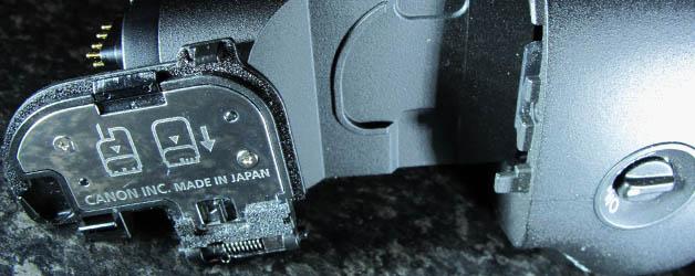 Avoid loosing the door when you get a battery grip