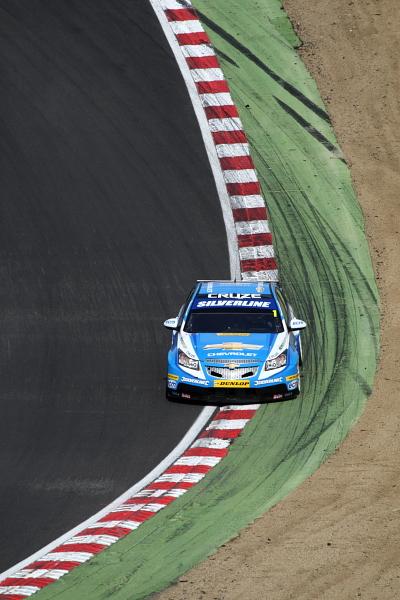 Jason Plato in the Chevrolet Cruze at Brands Hatch