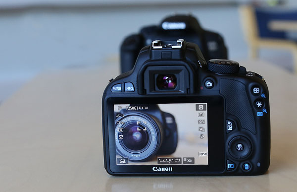 EOS 100D photographing EOS 700D