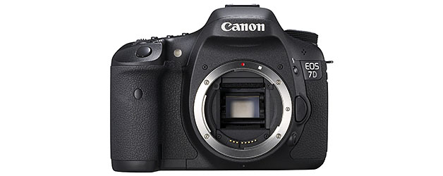 Canon gives the gift of a firmware update to EOS 7D