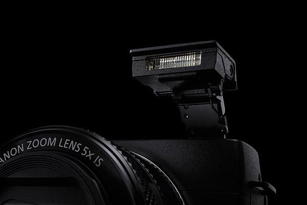 PowerShot G1 X Mark II Wall-E flash
