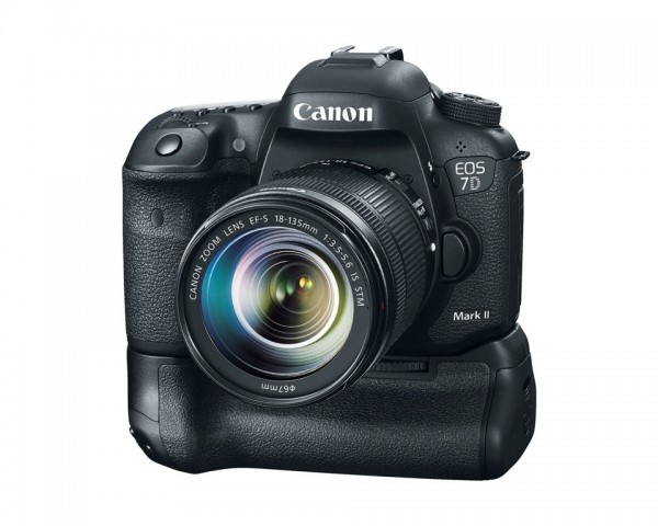 EOS 7D Mark II with BG-E16 battery grip and EF-S 18-135mm f/3.5-5.6 IS STM lens