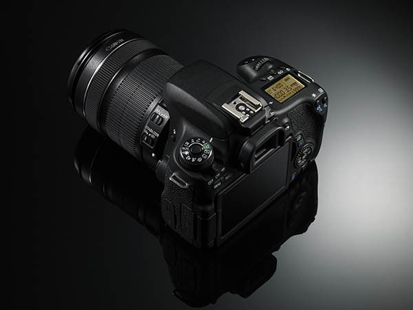 EOS 760D top and rear view