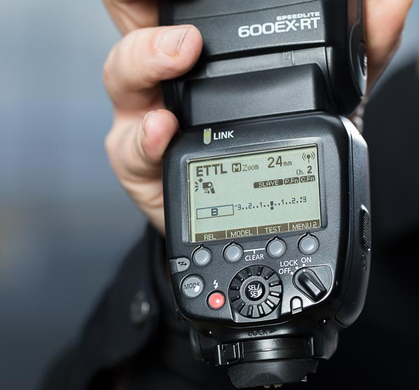 Remote control with a radio Speedlite flash